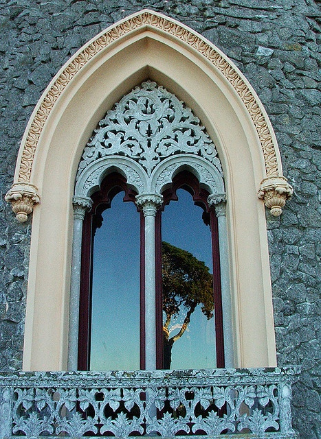 Beautiful Window surround in Portugal photo by Maria Oliveira